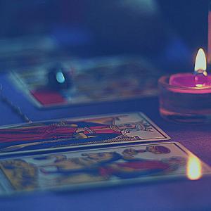 夢を読み解く「占い師と砂時計の夢」