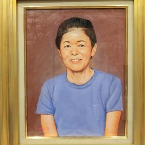 母の肖像画完成しました🎉🙃