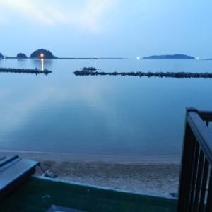 夕闇の景色:漁り火などの灯り