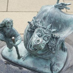 水木しげるロードの妖怪ブロンズ像シリーズ(63)