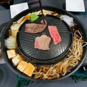 ムーカタ鍋は本当に肉汁がスープに滴り落ちるのかしら?