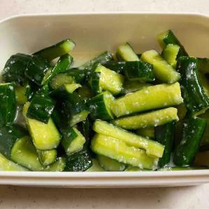 美肌・便秘/むくみ解消に効果あり。塩麹を使った簡単料理・きゅうりの塩麹漬けを作ってみました!