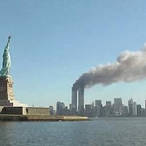 アメリカ、自由の女神始動