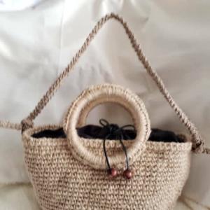 編みひも完成!バッグに取り付けてみました