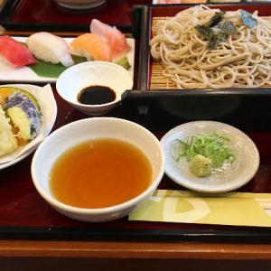 握り寿司3貫と天ぷらと好みのめん類セットのランチと届いた佐賀牛♪