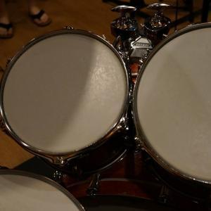 【ドラム】どう持とう?ドラムスティック!握り方が違うとどう違う!? マッチドグリップとレギュラーグリップについて個人的に思うこと