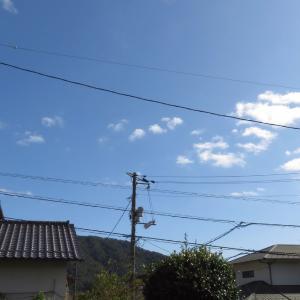 白雲なびく、、、、、、/ 確か日本三大校歌に//広島の2019/10/14 13:30の空の風景