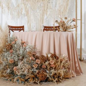 披露宴会場の装花を決める際に注意する5つのポイント