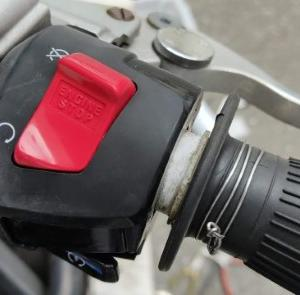 ホーネット250 修理 ハンドルスイッチ(右)部品交換 純正部品