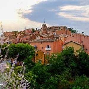 美しき丘の村「ボニュー」Bonnieux|konny 旅、ときどき日々のこと。 より 【フランスの最も美しい村】ルシヨン「Roussillon」可愛すぎるピンクの村 へのコメント