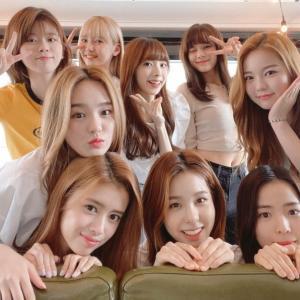 NiziUメンバーが緊急事態宣言下、韓国へ出発《ビジネス往来停止の5日後》JO1も韓国へ