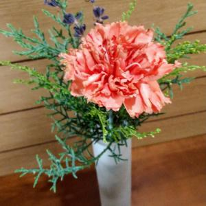 二回目の癒しが届いたよ❤︎bloomeeのお花の定期便