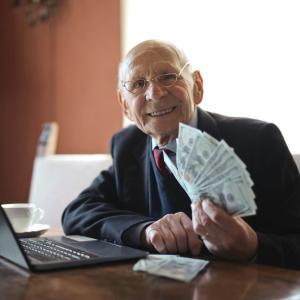 行政書士の平均年収