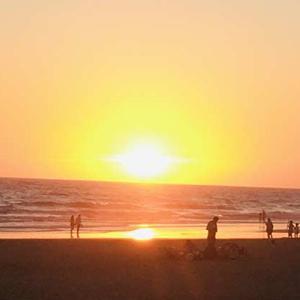 素敵な夕陽 スペインの海 〜 カディスのエル・パルマールを詳しく紹介!