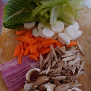 寒い日は、根菜スープ