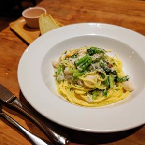 ラ ピニャータ (la pignata):パスタランチ(釜揚げしらすと貝柱と小松菜の大根クレーマソース・セロリ風味) コスパのよい素敵イタリアン♬
