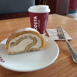 ドバイのコスタコーヒーで東京オリンピック期間限定メニューが出ていました