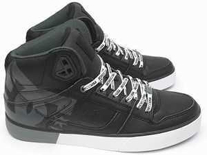【DCシューズ‐JP_DM206018_XKSW レビュー】かっこよく、履き心地最高の靴!