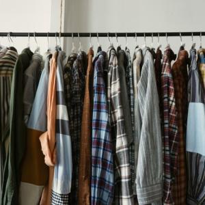 【服を売るのがめんどくさい】ラクに手放す方法とお勧め買取サービス4選
