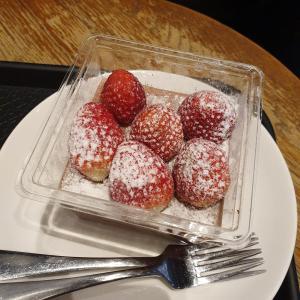 バレンタインデーは韓国スタバのケーキで