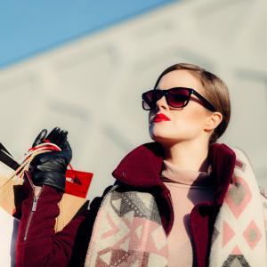 40代50代洋服レンタルはこれ!メリット・デメリットは?おすすめ2選の比較と口コミ!