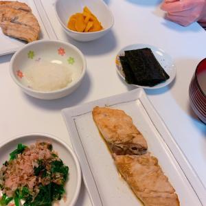 #さわらの生姜焼き #鱼料理 #ほうれん草 #納豆 #晩ご飯 #今天的晚餐