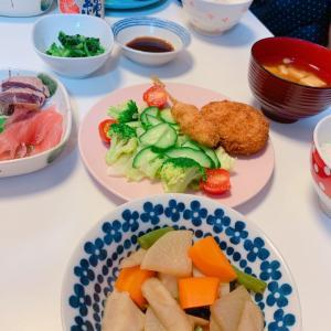 #煮物 #晚餐 #おうちごはん #お母さんの料理 #いつもの食卓 #テーブル