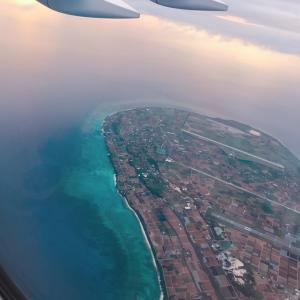 #沖縄 へ到着❤️ #航空写真 #飛行機 #JAL #日本航空 #空の旅 #秋旅 #沖縄県