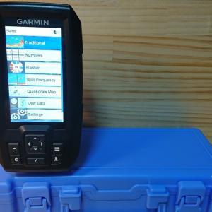 バッテリーボックス兼魚探マウントをお手軽に自作する Garmin Striker Plus 4