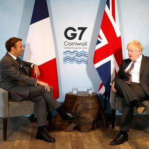 英首相に「合意守れ」 仏大統領