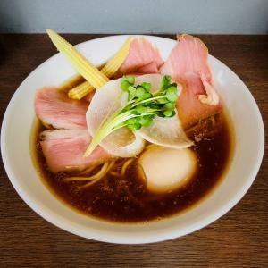 鴨鶏・あさりの鮮やかな淡麗系醤油ラーメン「麺屋 グラフミ」〈名古屋市千種区〉