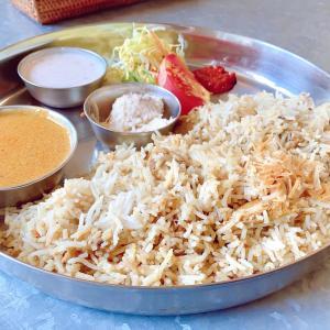 「インド家庭料理 ミレンガ (milenga)」の「チキンビリヤニ」(北区野田屋町)【おにさんぽグルメ】