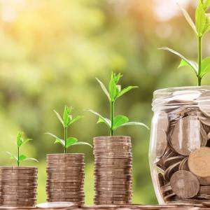 投資は長期分散が要。複利の効果でお金を増やそう!