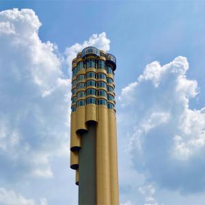 斬新!笛みたいな形をしたパイプの塔「ホーウォート101」(ローイエット県)