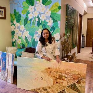 インドの自然や情景、歴史を刻む建築物……。慈しみ描く画家、ジャヤ・ジャヴェリの世界
