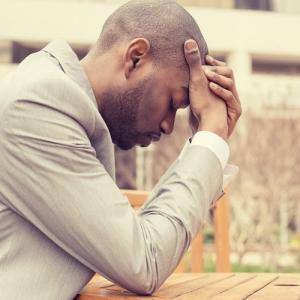 感情的な反応を中和するための実証済みのテクニック