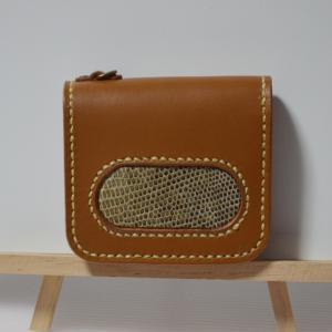 栃木レザーにオオトカゲの革を装飾に使った二つ折り財布をメルカリに出品