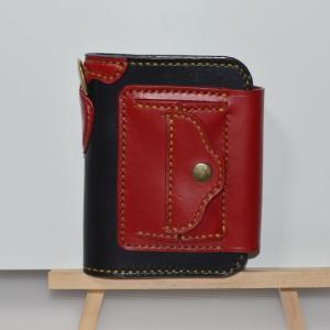 二つ折り財布にカブセを兼ねた小銭入れをつけた新作をメルカリに出品