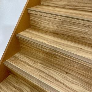 【フロアタイルのカット編】フロアタイル階段の貼り方、リフォームしたらこんなに綺麗になりました