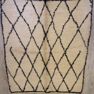 ベニワレン、ボシャラウィットだけじない。アートなモロッコ絨毯