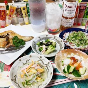 タコ刺身と鶏モモオーブン焼きで1人晩酌