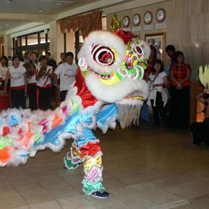 グアム新型コロナウイルス感染拡大の影響で今年は旧正月のライオンダンスは中止