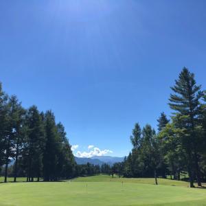 高原の爽快ゴルフ