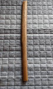 室内で素振りができる木刀を買いました。