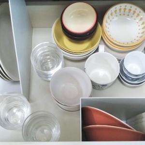 お皿買ったついでに食器収納を見直す。もうちょい減らないかしら?