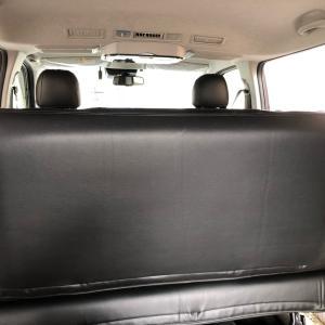 ハイエースにセカンドシートバックパネル自作ベッドキットが快適になるアイテム