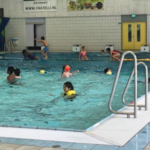 りばいばる#174 オランダの現地校 驚きの水泳の授業 〜内容編