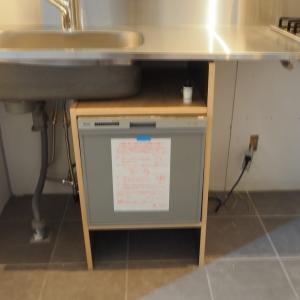 お客さまの家も我が家もシンク下に食洗器 キッチントップをふく回数激減