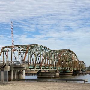 なんとか郡の橋