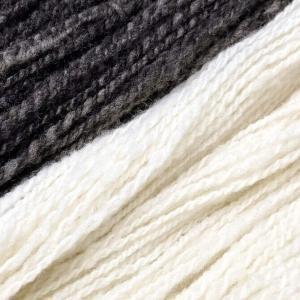 洗った羊毛が毛糸になった